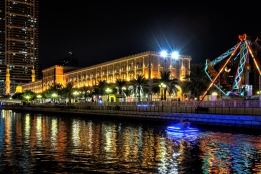 Al Qasba Canal is a beautiful entertainment destination featuring many touristic facilities in Sharjah. It is a water canal that stretches over 1,000 metres and connects Khalid Lagoon with Al Khan Lagoon